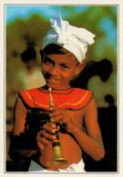 SRI-LANKA  ANURADHAPURA:  GIOVANE SUONATORE DI FLAUTO    (NUOVA CON DESCRIZIONE DEL SITO) - Sri Lanka (Ceylon)