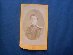 Photo CDV Eug. Delon à Toulouse  - Militaire Sous Lieutenant  Du 126e RI, Binocle  Circa 1875  L189 - Anciennes (Av. 1900)