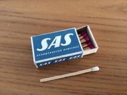 """Petite Boîte D´allumettes SUEDE """"SAS Scandinavian Airlines"""" (compagnie Aérienne) - Zündholzschachteln"""