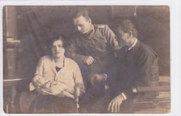 Romania - Targu Jiu - Familie De Militar - Roumanie
