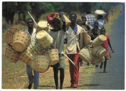 MALAWI - ROADSIDE BASKET VENDORS,MANGOCHI / THEMATIC STAMP-BIRD - Malawi