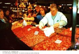 LORIENT 56, La Vente De Crevettes Aux Halles De Merville, 12/2000 - 400ex - Halles