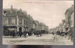PACY - Sur - EURE . Rue Edouard Isambard , Près La Poste . Animé . - Pacy-sur-Eure