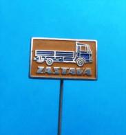 ZASTAVA ( Serbian Ex Yugoslavian Vintage Pin ) Badge Truck Camion LKW Car Automobile Auto Autos Anstecknadel - Unclassified
