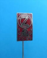 ZASTAVA ( Serbian Ex Yugoslavian Vintage Enamel Pin ) Badge Truck Camion LKW Car Automobile Auto Autos Anstecknadel - Badges
