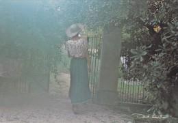 CPSM Du PHOTOGRAPHE David Hamilton - Jeune Femme De Dos - Ref 001 37 @ Défaut Scotch à Gauche - Illustrateurs & Photographes