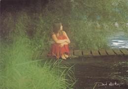CPSM Du PHOTOGRAPHE David Hamilton - Jeune Fille En Robe Rouge Au Bord De L'eau - Ref H. 4C - Illustrateurs & Photographes