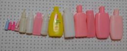 Lot D'objets Barbie : Tubes Biberons Flacons - Barbie