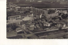 Cpa 38 Isere SAINT PRIEST Groupe Scolaire - France
