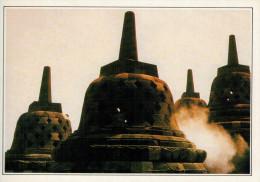 INDONESIA: GIAVA: IL TEMPIO DI BOROBUDUR      (NUOVA CON DESCRIZIONE DEL SITO SUL RETRO) - Indonesia
