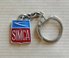 Ancien porte-cl� Simca ann�es 50 en aluminium peint