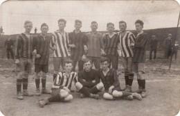 CP Photo 14-18 Une équipe De Football Allemande (A99, Ww1, Wk1) - Soccer