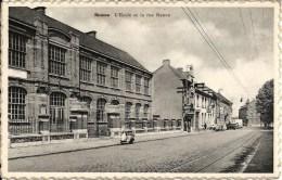 BOUSSU : L'Ecole Et La Rue Neuve - Boussu