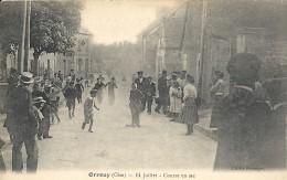 ORROUY. 14 JUILLET. COURSE EN SAC - France