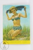 1967 Small/ Pocket Calendar - Pin Up Sexy Blonde Lady In Bath Suit - Tamaño Pequeño : 1961-70