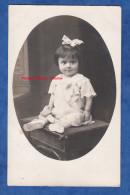 CPA Photo - BUCURESTI FOCSANI - Portrait D´une Petite Fille - 1917 Lire Verso - Voir Robe Dress Flot Noeud Girl Madchen - Romania