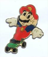 Pin's MARION En Skate Board - Le Célèbre Plombier De Nintendo  - E024 - Games
