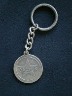 PORTE CLE CLEF (KEYCHAIN) METAL CALTEX LOCATION JAFFAR LE PORT Ile De La REUNION - Porte-clefs