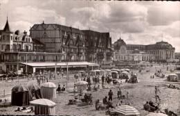 14 DEAUVILLE TROUVILLE LA PLAGE VERS LE CASINO CPSM CIRCULEE 1955 - Deauville