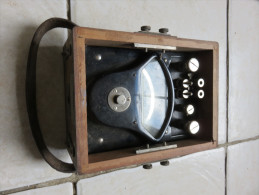 Ancien Ampêremètre BCF.14 N°3701, Dimensions : 15,5 X 20,5 Cm - 1939-45