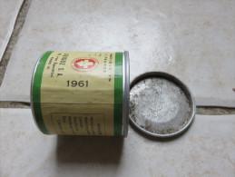 Petite Boite De Lait GUIGOZ Datée 1961, Hauteur 6 Cm, Diamètre 6 Cm - Autres