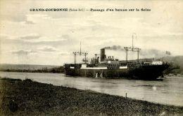 N°5402A -cpa Grand Couronne -passage D'un Bateau Sur La Seine- - Commerce
