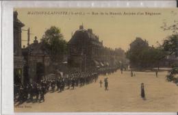 78- Maisons  Laffitte  Rue De La Muette Arrivee D Un Regiment - Maisons-Laffitte