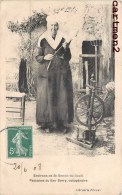 PAYSANNE DU BAS-BERRY OCTOGENAIRE SAINT-BENOIT-DU-SAULT FILEUSE METIER QUENOUILLE LAINE - France