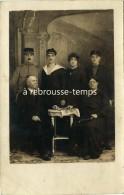 Carte Photo-une Famille Avec Militaires Dont 2 Marins-sur Un Béret Mention TSF-radio-photo Blanda à Moulins - Guerre, Militaire