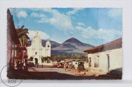 Vintage 1950´s  Republic Of El Salvador - Typical Village Of Izalco At The Foot Of Volcano Izalco - El Salvador