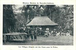 MISSIONS MARISTES DE NOUVELLE CALEDONIE LES VILLAGES ELOIGNES ONT DES CASES POUR LA PRIERE - New Caledonia