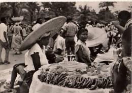 C P S M-C P M--AFRIQUE---CONGO--LEOPOLDVILLE---marché Indigène---voir 2 Scans - Kinshasa - Léopoldville
