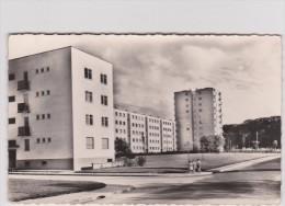 Seine S Aint  Denis :  BOBIGNY  :  H L M  Groupe  Du Pont  De  Pierre - Bobigny