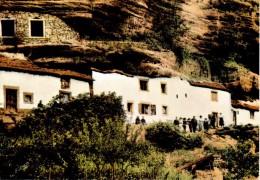 GRAUFTHAL : Habitations De Troglodytes - France