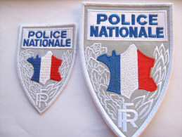 INSIGNES TISSUS PATCH POLICE NATIONALE DEUX MODELES (Hauteur 15cm et 9cm) ETAT EXCELLENT