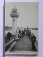 BOULOGNE SUR MER (62) -LE PHARE DE LA JETEE EST - ANIMEE - Boulogne Sur Mer