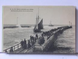 BOULOGNE SUR MER (62) - RETOUR DE PECHE D'UN CABOTEUR - ANIMEE - Boulogne Sur Mer