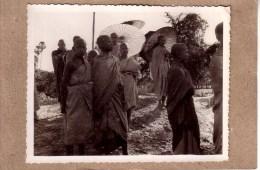ASIE - INDOCHINE FRANCAISE - VIETNAM - CAMBODGE - LAOS - PHOTO , 1948/1950 - ETHNIQUE - ETHNIC - ENFANT , ENFANT BONZE - Lieux