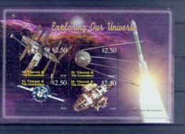 Saint Vincent And The Grenadines T09 2006 Delta Rocket Space Exploration Souvenir Sheet MNH - Space