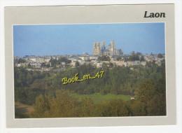 {54115} 02 Aisne Laon , La Cath�drale vue du plateau Saint Vincent