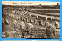 FR332, Carnac, Les Aligement Du Ménec, Animée, Circulée 1926 Sous Enveloppe - Dolmen & Menhirs