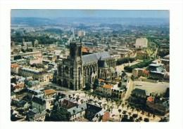 SOISSONS: Vue a�rienne -La Cath�drale