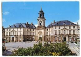 Cp RENNES - Le Centre Piétonnier Et L´Hôtel De Ville - écrite 1987 (pour Jeux) - Rennes
