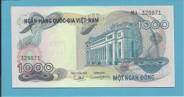 VIET NAM SOUTH - 1000 DONG - ND ( 1971 ) - P 29 - UNC. - Série M4 - BANK Building - VIETNAM - 2 Scans - Vietnam