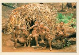 LOBAYE:   ABITAZIONE  DI  PIGMEI      (NUOVA CON DESCRIZIONE DEL SITO SUL RETRO) - Repubblica Centroafricana