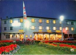 85 - LA FAUTE-sur-MER - Hôtel Des Chouans La Nuit - Voiture Renault 4l - Altri Comuni