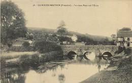 Réf : D-15-303 :   LA ROCHE MAURICE - La Roche-Maurice