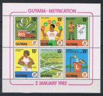 Guyana Y/T 658 / 663 (**) - Guyane (1966-...)
