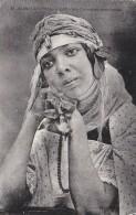 Algérie - Alger - Jeune Femme Cartomancienne Voyante - Algérie