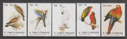 SERIE NEUVE DE SAINT-THOMAS ET PRINCE - OISEAUX N° Y&T 1037 A 1041 - Perroquets & Tropicaux